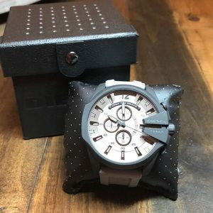 Men's DIESEL MEGA CHIEF GRAY SILICONE WATCH